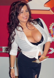 vevrier_chloe_adult_ent_expo_20061